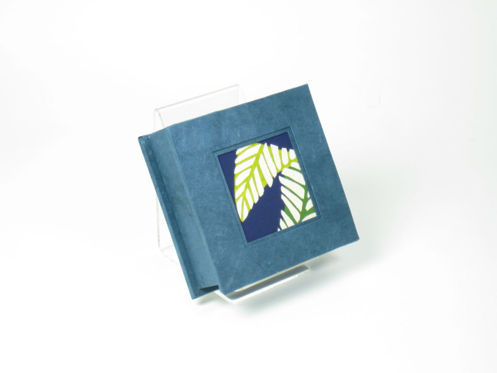 Small square box with katazome leaf